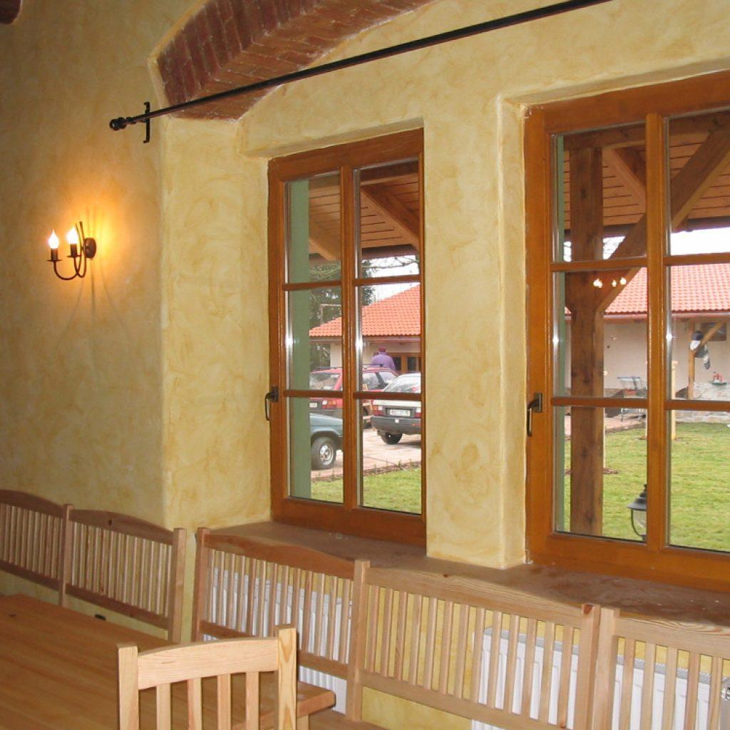 Dřevěná okna a vchodové dveře